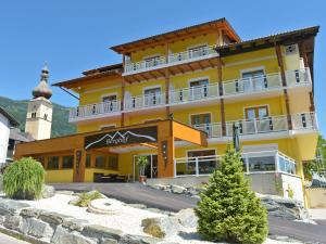 __{offers.Best_flights}__ Hotel Berghof