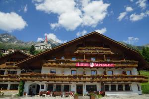 Berghotel Alpenrast - Riva di Tures