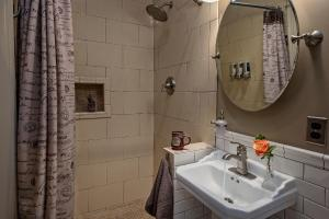 Gibson Mansion Bed and Breakfast - Accommodation - Missoula
