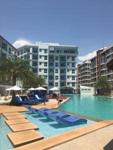 Grand Blue Condominium by Nuttaya - Klaeng