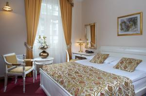 Alqush Downtown Hotel - Prague