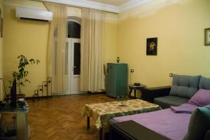 Center Apartment Nalbandyan, Appartamenti  Erevan - big - 24