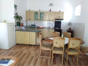 Apartment Zoki 1