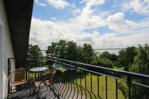 Apartament z widokiem na jezioro Jamno