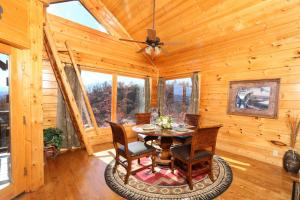Howling Wolf - One Bedroom, Holiday homes  Sevierville - big - 10