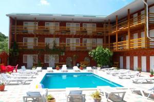 Гостиница Персиковый сад, Пляхо