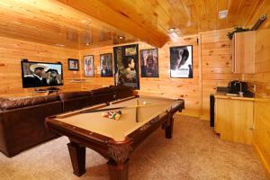 Playhouse Cinema - Four Bedroom, Dovolenkové domy  Sevierville - big - 19