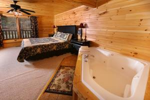 Mayberry - Three Bedroom, Дома для отпуска  Севьервилл - big - 57