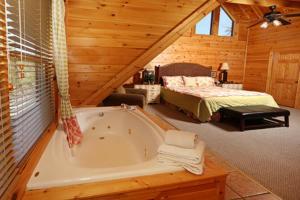 Mayberry - Three Bedroom, Дома для отпуска  Севьервилл - big - 58