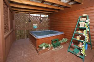 Fireside Memories - Two Bedroom, Дома для отпуска  Севьервилл - big - 27