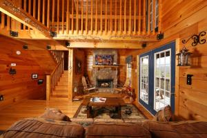 Fireside Memories - Two Bedroom, Дома для отпуска  Севьервилл - big - 22