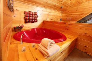 Fireside Memories - Two Bedroom, Дома для отпуска  Севьервилл - big - 13