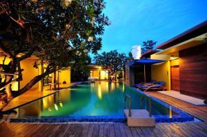 Capstone Resort - Puk Tian