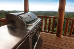 Serenity Mountain Pool Lodge - Nine Bedroom, Prázdninové domy  Sevierville - big - 19