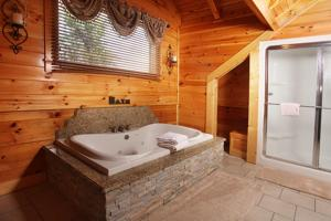 Serenity Mountain Pool Lodge - Nine Bedroom, Prázdninové domy  Sevierville - big - 10