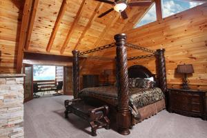 Serenity Mountain Pool Lodge - Nine Bedroom, Prázdninové domy  Sevierville - big - 8