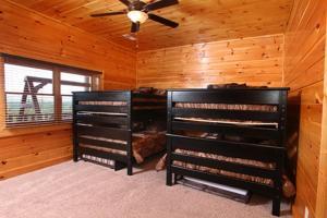 Serenity Mountain Pool Lodge - Nine Bedroom, Prázdninové domy  Sevierville - big - 7