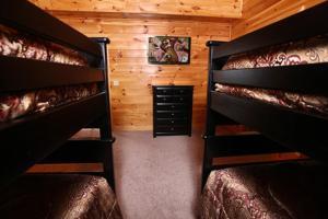 Serenity Mountain Pool Lodge - Nine Bedroom, Prázdninové domy  Sevierville - big - 5