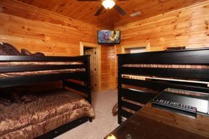 Serenity Mountain Pool Lodge - Nine Bedroom, Prázdninové domy  Sevierville - big - 3