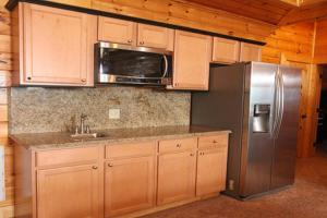 Serenity Mountain Pool Lodge - Nine Bedroom, Prázdninové domy  Sevierville - big - 27