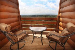 Serenity Mountain Pool Lodge - Nine Bedroom, Prázdninové domy  Sevierville - big - 34