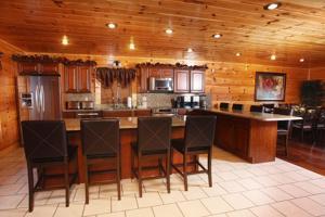 Serenity Mountain Pool Lodge - Nine Bedroom, Prázdninové domy  Sevierville - big - 41