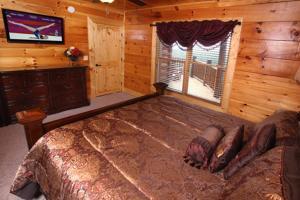 Serenity Mountain Pool Lodge - Nine Bedroom, Prázdninové domy  Sevierville - big - 44