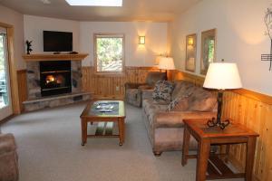 Mount Shasta Resort - Accommodation - Mount Shasta