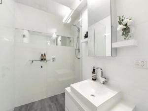 Espresso Apartments - St Kilda penthouse with panoramic Bay and City views, Apartmanok  Melbourne - big - 9