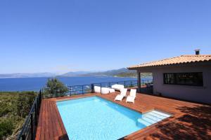 Villa dexception sur la baie pour 8 personnes Coti Chiavari