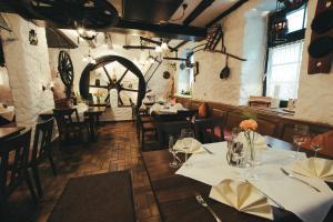 Hotel Restaurant Walkmuhle Usingen Germany J2ski