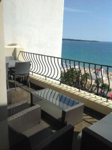 Cannes Croisette Luxurious Two Bedrooms, Канны