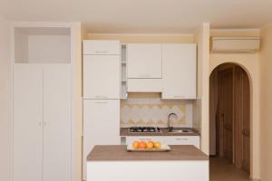 Apartment mit 4 Schlafzimmern sowie Garten- und Meerblick