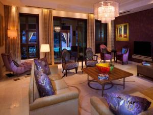 Shangri-La Hotel Qaryat Al Beri (34 of 46)