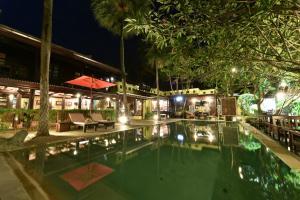 Ndol Streamside Thai Villas - Phatthana Nikhom
