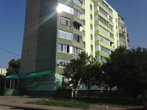 Apt. Akademika Hrushevs'koho 44, Апартаменты  Ровно - big - 46