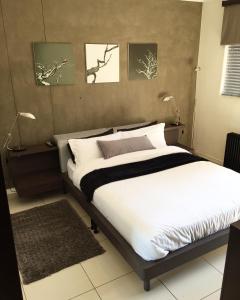 Room 122 @ The Nicol Hotel