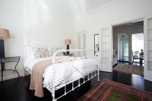 Beautifully Decorated 1 bed MPT67A - Sydney