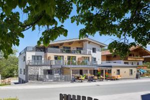 Kristall Plaza - Hotel - Niederau