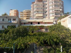 Detjon Beach Apartments