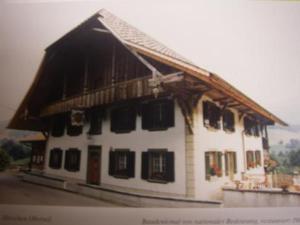 Pension Hirschen - Accommodation - Oberwil