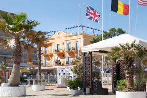 Hotel Holiday Beach - AbcAlberghi.com