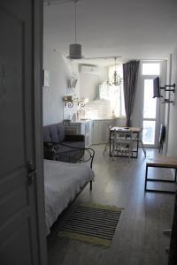 Apartment near the sea 118/120, Appartamenti  Batumi - big - 14