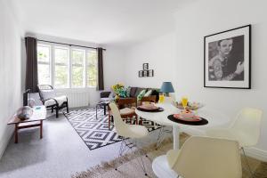 Heart of Kensington Apartment - London