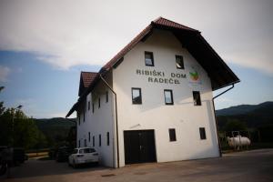 Ribiški dom Radeče