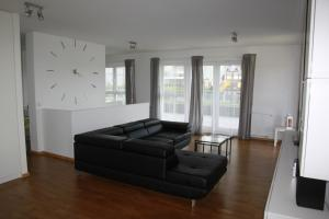 Bright and spacious apartment close to the beach