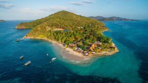 Castaway Island, Fiji - Matamanoa Island