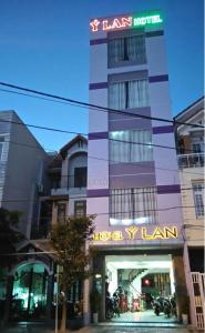 Y Lan Hotel