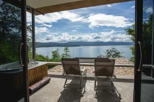 Thawsi Lake Hill - Hin Dat