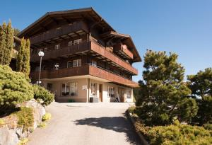 Guesthouse Alive - Accommodation - Adelboden